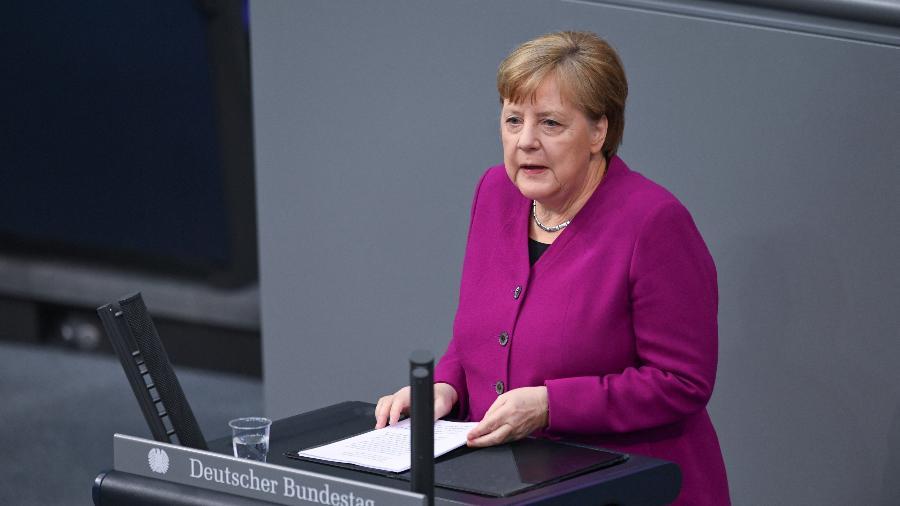 A chanceler alemã Angela Markel discursa no Parlamento alemão em meio a crise do coronavírus  - Annegret Hilse/Reuters