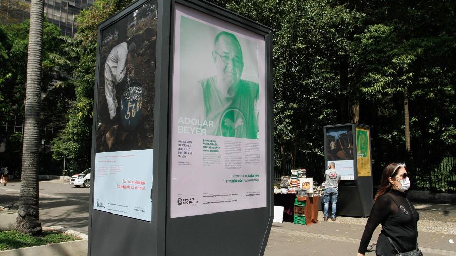 Memorial instalado em homenagem às vítimas do novo coronavírus na avenida Paulista, na região central de São Paulo - FÁBIO VIEIRA/FOTORUA/ESTADÃO CONTEÚDO