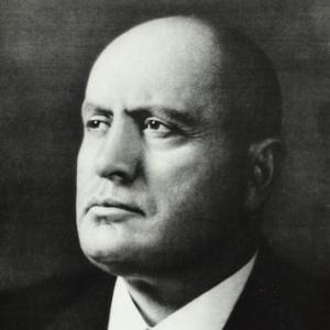 Há paralelos entre a ascensão do fascismo e nosso atual pesadelo político; na foto, um dos fundadores do fascismo: Benito Mussolini