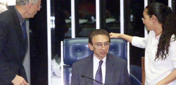 Sessão em que texto foi aprovado no Senado tinha presidência de Edison Lobão, então no PFL. Os senadores Eduardo Suplicy (PT-SP) e Heloísa Helena (PT-AL) também integravam a Casa na época