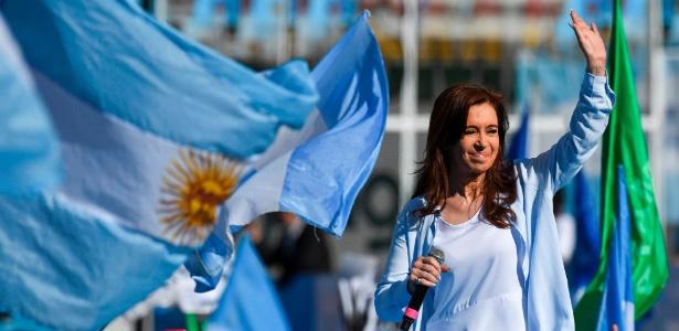 Cristina Kirchner lidera pesquisas de opinião para vaga no Senado