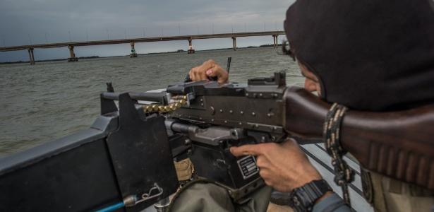 Polícia Federal patrulha Lago de Itaipu