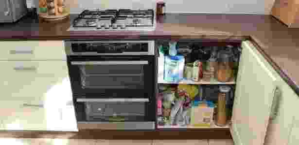 BBC: Na primeira vez que tentou matar a esposa, Cilliers abriu a saída de gás da cozinha, que fica no fundo de um armário ao lado do fogão - Wiltshire Police  - Wiltshire Police