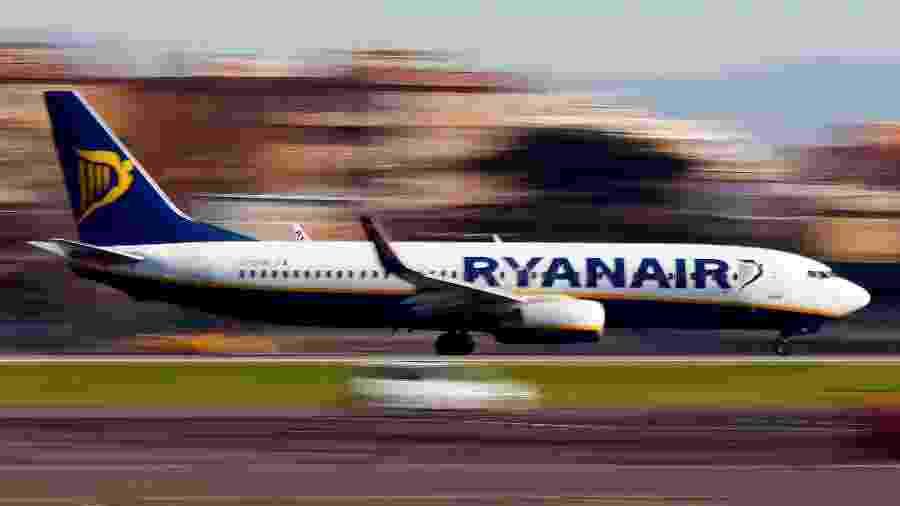 Avião da Ryanair decola de aeroporto em Roma, na Itália - Tony Gentile/Reuters
