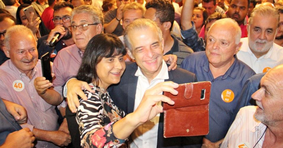 24.out.2018 - Candidato ao governo do estado de São Paulo, Márcio França (PSB) se encontra com lideranças da região noroeste paulista, na cidade de Fernandópolis (SP), na noite desta quarta-feira (24)