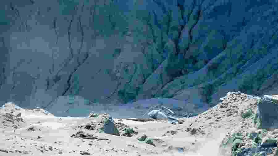 Imagem do dia 9 de dezembro do local onde um vulcão entrou em erupção na Ilha Branca da Nova Zelândia - Xinhua/Michael Schade