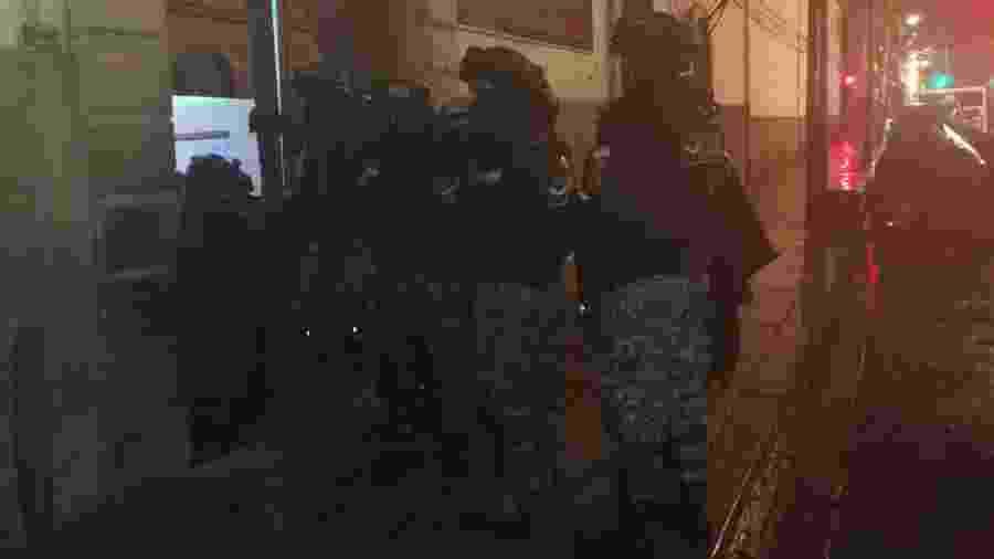 Agentes entram em prisão de Mocoví, na Bolívia, após membro do PCC ter detonado granada - Divulgação