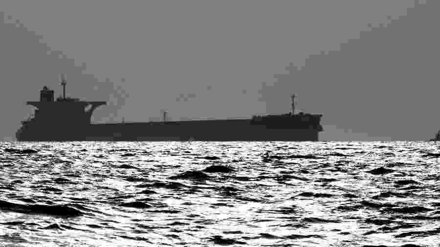 Vista da Baía de São Marcos, no Maranhão, região na qual navio com minério de ferro da Vale está encalhado - Paulo Whitaker