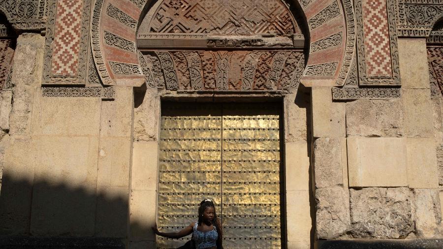 A Catedral de Córdoba, na Espanha, foi fechada diante do surto de coronavírus na Europa - Jorge Guerrero/AFP