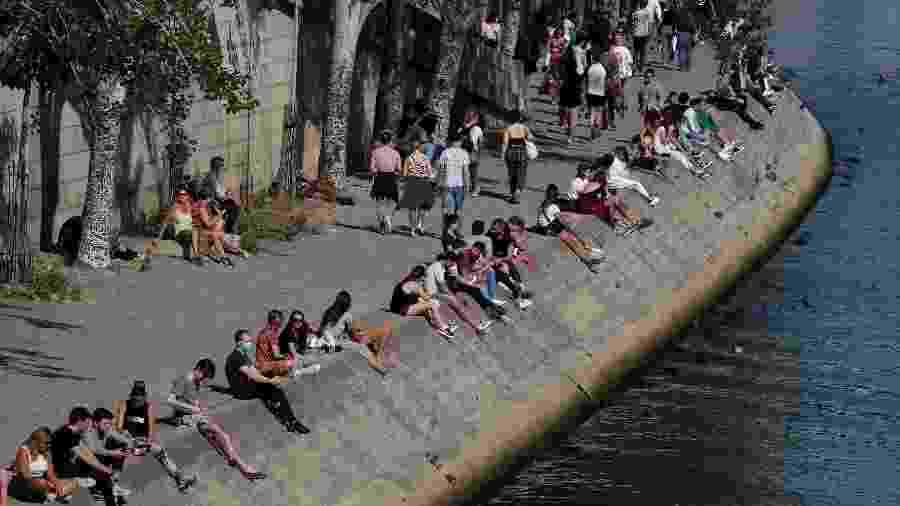 A França registrou 21 mortes causadas pela covid-19 nas últimas 24 horas - Gonzalo Fuentes/Reuters