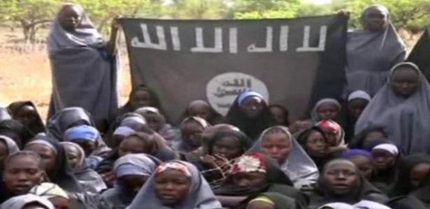 Meninas de Chibok foram vistas pela última vez neste vídeo, divulgado pelo Boko Haram