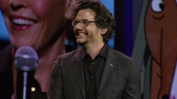 Wagner Moura esteve no palco em conferência de imprensa da Netflix