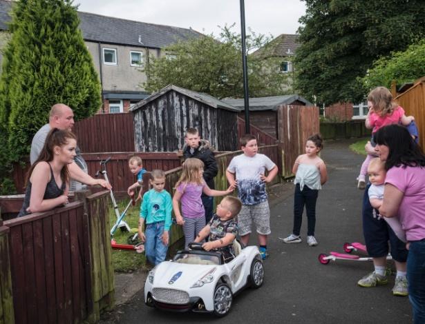 Moradores de Sunderland, cidade portuária, onde a maioria votou pela saída do Reino Unido da União Europeia