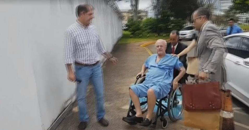 30.mar.2018 - O deputado federal afastado Paulo Maluf (PP-SP) chega de Brasília a São Paulo, após a Justiça ter acolhido seu pedido de prisão domiciliar