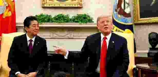 7.jun.2018 - Donald Trump e o premiê do Japão, Shinzo Abe, na Casa Branca - REUTERS/Kevin Lamarque