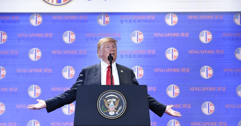 12.jun.2018 - O presidente norte-americano Donald Trump afirmou durante uma coletiva de imprensa após o encontro histórico com Kim Jong-Un em que os líderes assinaram um acordo de negociação de desnuclearização