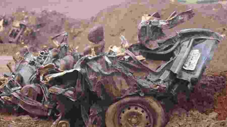 Veículo encontrado durante trabalho de resgate feito por Bombeiros em Minas - Roberio Fernandes/Estadão Conteúdo