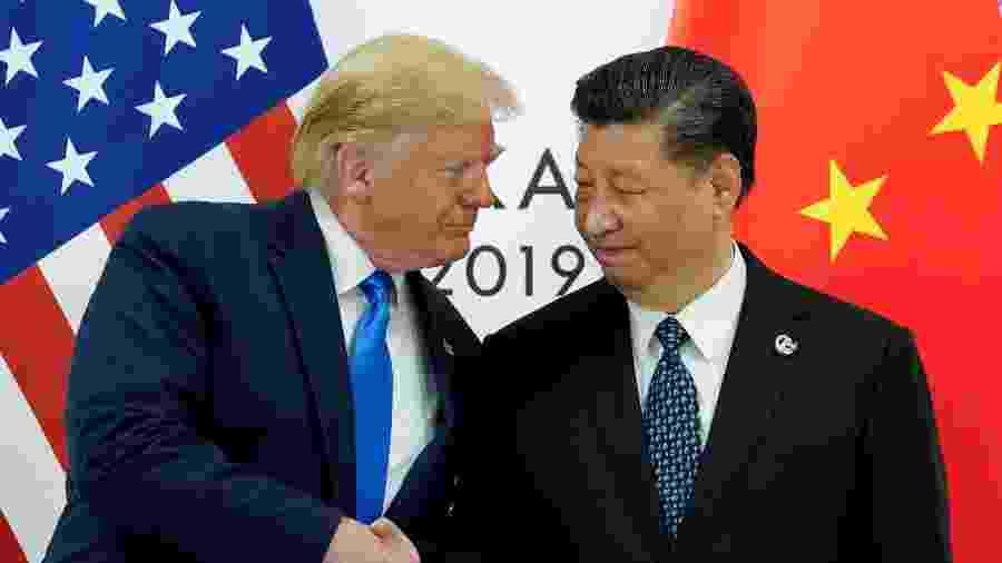 Presidente dos EUA, Donald Trump, encontra o presidente chinês, Xi Jinping, durante reunião do G20 em Osaka, no Japão - REUTERS/Kevin Lamarque