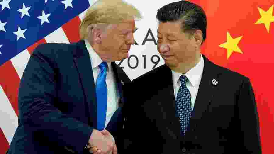 O presidente dos EUA, Donald Trump, se encontra com o presidente da China, Xi Jinping, no início de sua reunião bilateral na cúpula dos líderes do G20 em Osaka, Japão. - Kevin Lamarque