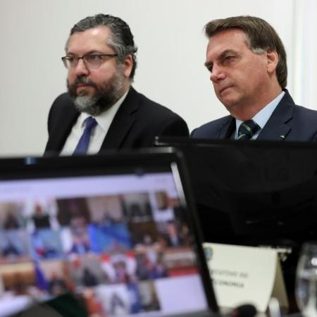Presidente Jair Bolsonaro e ministro das Relações Exteriores, Ernesto Araújo, em Brasília -