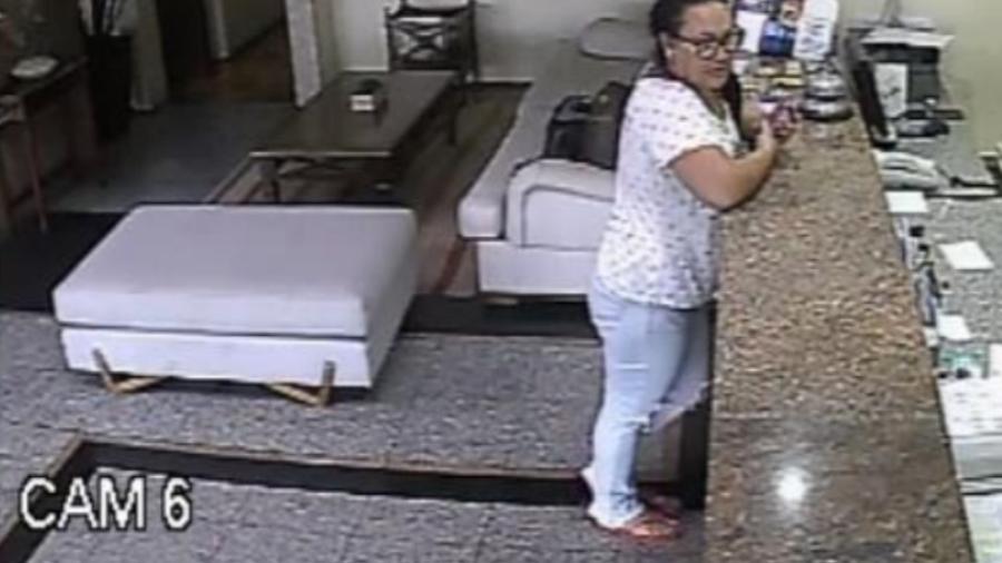 Imagem de câmera de segurança mostra Jussara em hotel de Fortaleza onde, segundo a polícia, ela se encontrou com o grupo que assassinou dois líderes do PCC no Ceará em 2018 - Divulgação/Polícia Civil do Ceará