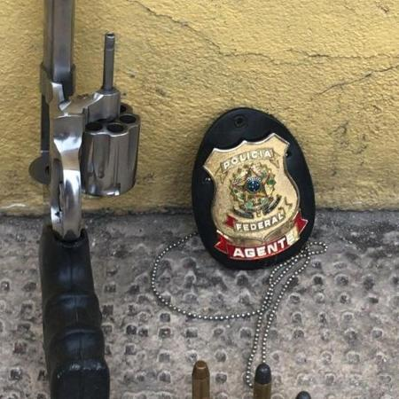 Arma apreendida em operação da Polícia Federal que prendeu no Rio de Janeiro líder do PCC - Polícia Federal do Rio de Janeiro