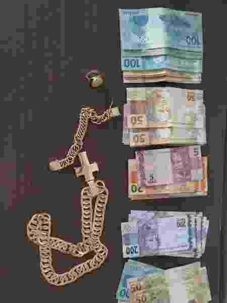 Joias e dinheiro foram apreendidos durante a ação  - Divulgação-PF/RO - Divulgação-PF/RO