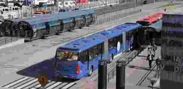 Terminal de ônibus em Curitiba: prefeitura pretende concluir a Linha Verde - Prefeitura de Curitiba