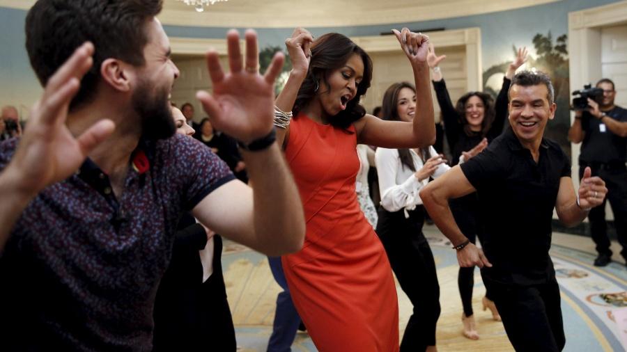 Michelle Obama dança conga na Casa Branca, em Washington (EUA) - Kevin Lamarque/Reuters
