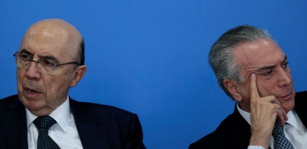 O ministro da Fazenda, Henrique Meirelles (á esq.), e o presidente interino, Michel Temer, no Palácio do Planalto