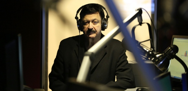 "George Noory, apresentador do programa de rádio ""Coast to Coast"" nos EUA - Ivan Kashinsky/The New York Times"