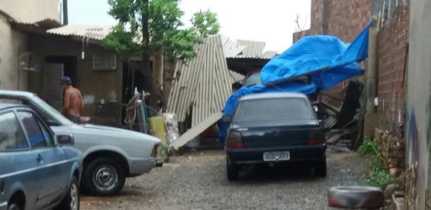 Casa acaba destelhada por causa de vendaval em Livramento de Nossa Senhora