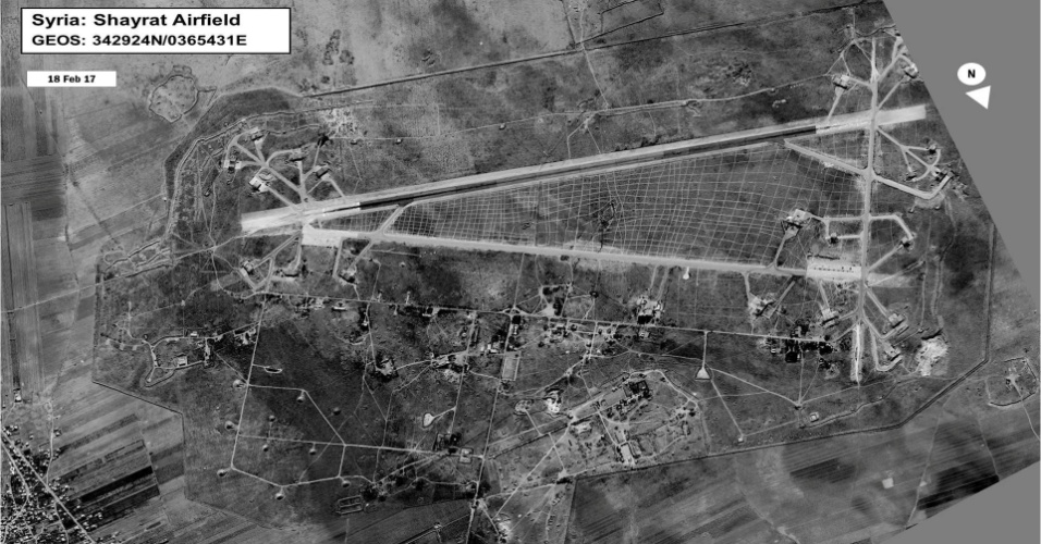 7.abr.2017 - Base de Shayrat, na cidade síria de Homs, que foi atacada pelo governo norte-americano e de onde teriam partido os aviões usados para o ataque com gás sarin, que matou 86 pessoas na cidade de Khan Sheikhun