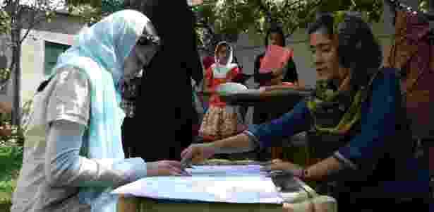 Roupas de menino, escola secreta e medo do talibã: a vida de uma jovem estudante no Afeganistão shabana ensina - Divulgação/Sola - Divulgação/Sola