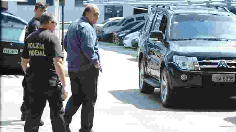 29.nov.2018 - Governador Luiz Fernando Pezão (MDB) deixa sede da Policia Federal no centro do Rio de Janeiro - Adriano Ishibashi/Framephoto/Estadão Conteúdo