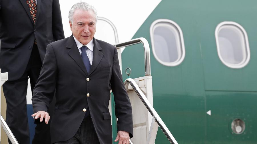 O presidente do Brasil, Michel Temer, após aterrisar em Buenos Aires para o encontro do G20 - ALEJANDRO PAGNI/AFP