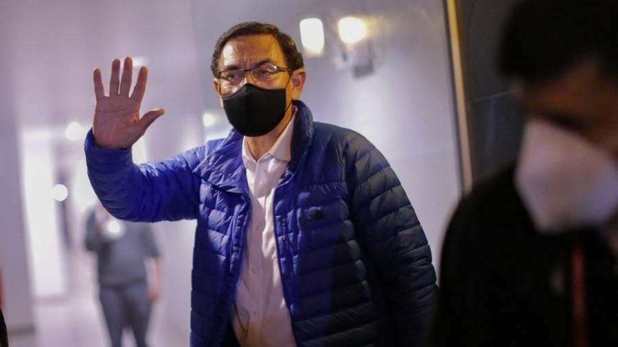 Martín Vizcarra foi o mais votado nas eleições legislativas de domingo, com mais de 165.000 votos, mas não poderá ocupar uma cadeira no parlamento - Luka Gonzales/AFP
