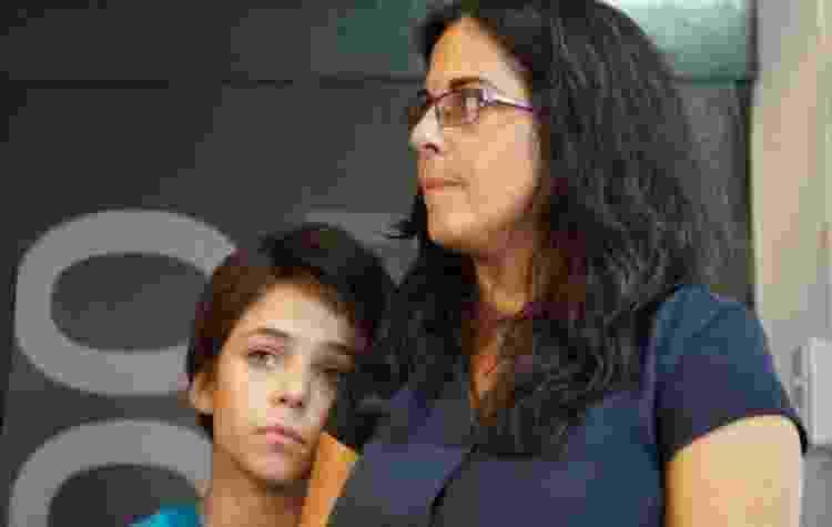 Bruno é o filho mais velho de Analía. Ele costuma acompanhar a mãe em manifestações - VALERIA PERASSO - VALERIA PERASSO