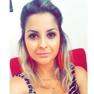 A empresária Gabriela Cavalcanti, que vende bijuterias pelo Whatsapp e outras redes sociais - Reprodução/Instagram