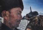 Imagem de homem e águia