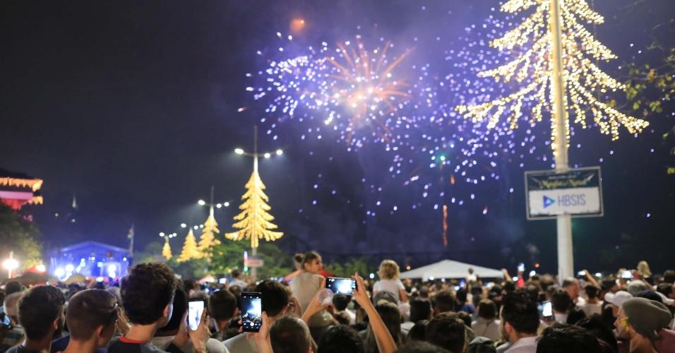 Fogos de artifício no Réveillon em Blumenau (SC)