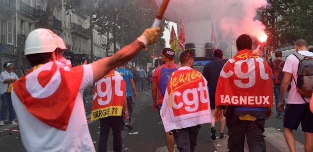 Protesto organizado pela CGT em Paris contra a reforma trabalhista do governo francês