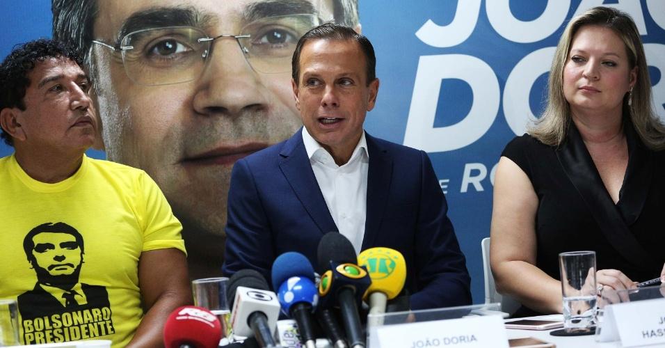 O candidato ao senado derrotado, Magno Malta, o candidato a governador de São Paulo, João Dória (PSDB), e a senadora eleita, Joice Hasselmann (PSL), se reuniram em entrevista coletiva em São Paulo, na sexta-feira (26)