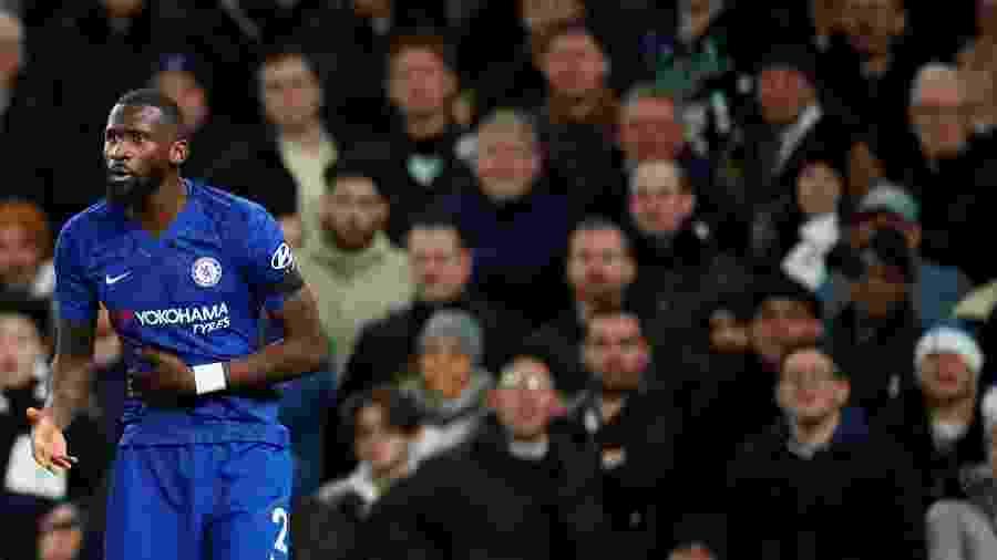 Antonio Rudiger durante partida do Chelsea contra o Tottenham pelo Campeonato Inglês - Reprodução