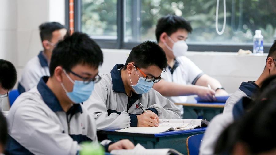 06.mai.2020 - Estudantes da cidade chinesa de Wuhan - China News Service / Getty Images
