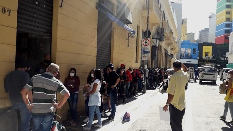 Reabertura em SP: Comerciantes burlam ordem da prefeitura e reabrem comércio no centro de SP