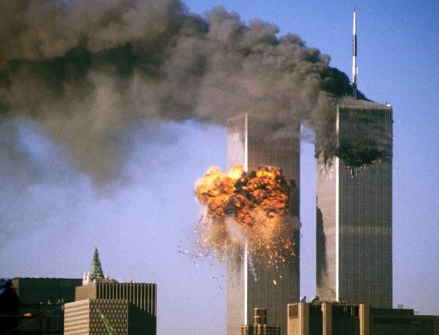 Ataque de aviões contra Torres Gêmeas deixou cenário de destruição em Nova York há 16 anos