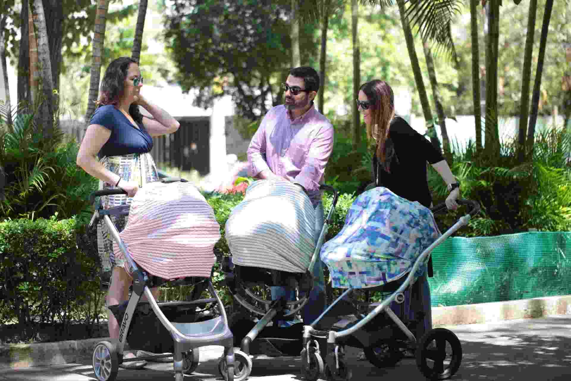 O Baby Shade, um tecido elástico e respirável para proteger o bebê em passeios no carrinho ou no bebê conforto de pessoas com as mãos sujas e do ar-condicionado, por exemplo, além de dar privacidade para mães na hora da amamentação - Divulgação