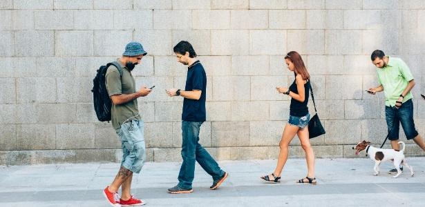 Celular é um dos grandes companheiros do brasileiro