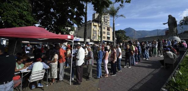 Eleição na Venezuela | Rivais de Maduro denunciam pagamento de US$ 10 por voto